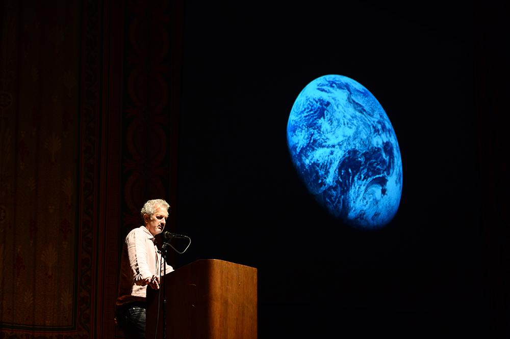 Steven Apkon speaks at the IVLA Conference