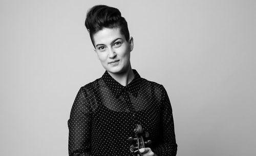 violinist Maya Bennardo